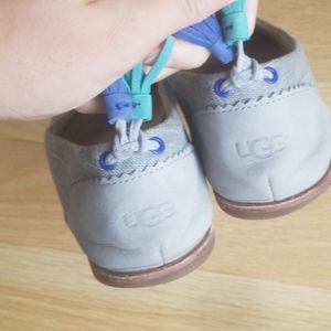 Ugg flats grey with tassles size 8